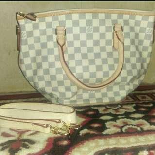 Tas Louis Vuitton KW