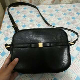 Ferragamo Sling Bag Black