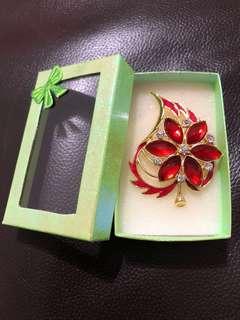 Flower/Leaf Brooch