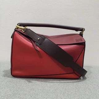 Loewe Puzzle Bag,西班牙皇室御用品牌loewe羅意威,紅遍時尚圈的 loewe puzzle   Bag 系列幾何包,小牛皮手提單肩斜挎女包