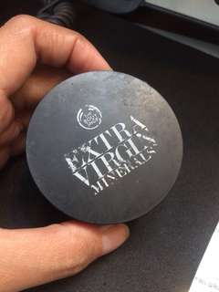Extra virgin minerals the body shop lose loose powder bodyshop
