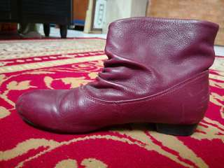 Red/marroon boot for sale