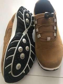 Casual / short distance trek shoes for sale