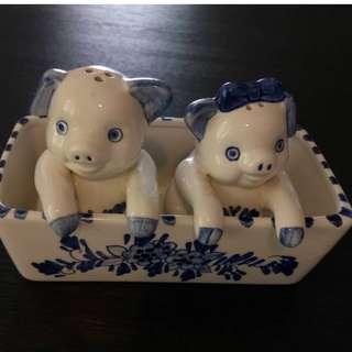 Authetic Dutch Handpainted Salt & Peppar Pigs