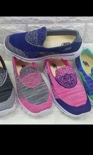 Sketchers shoes size:6,7,8,9,10