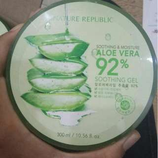 Natural Republic Soothing & Moisture Aloe Vera 92%. Soothing Gel 300ml Jaminan Original 100%