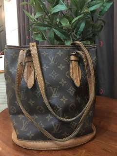 Authentic Louis Vuitton Bucket PM shoulder Bag