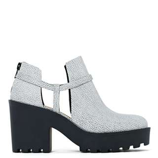 NASTY GAL SHOE CULT CONSEQUENCE BOOT [BNIB]