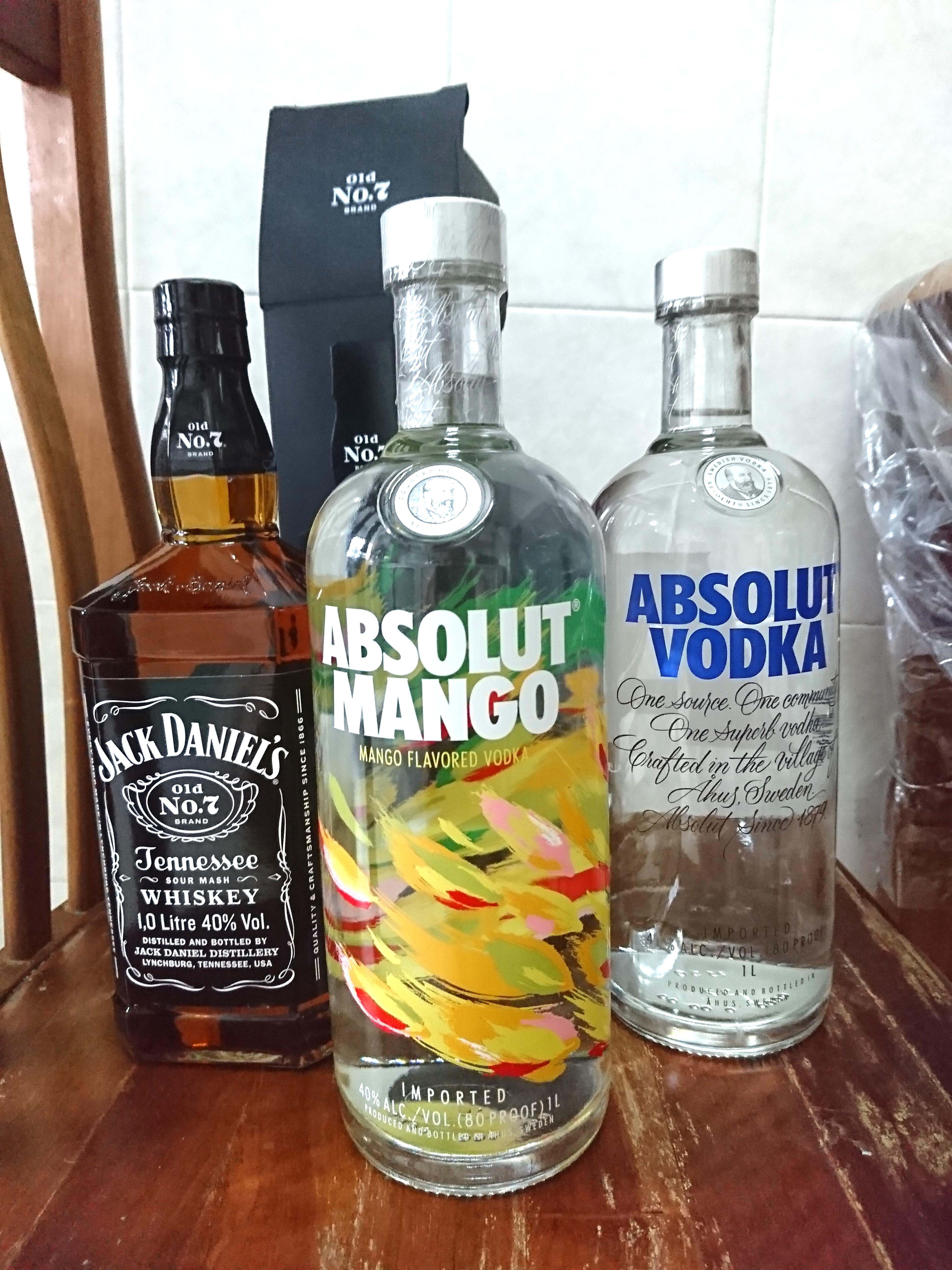 absolut vodka 1l absolut mango 1l jack daniels 1l food drinks