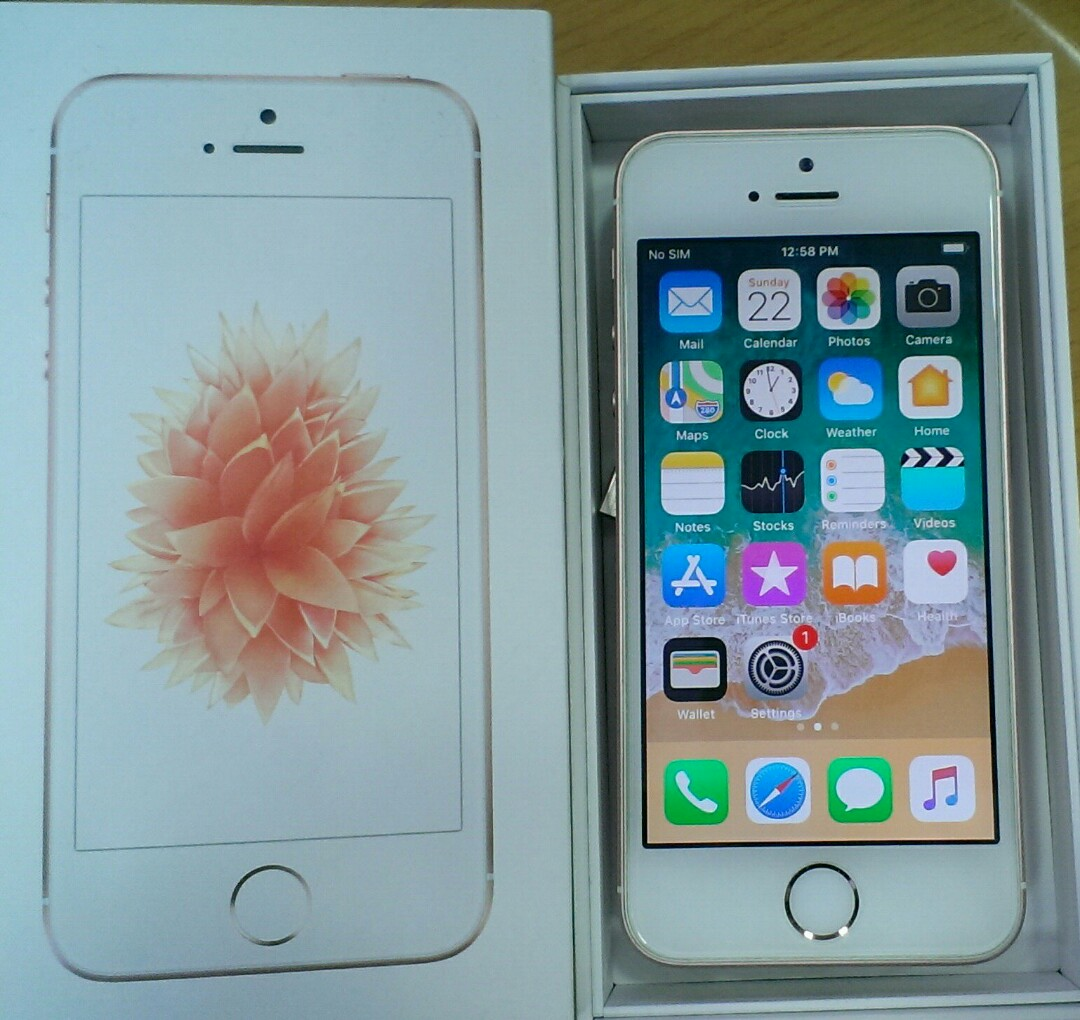 Apple Iphone Se 64gb Rose Gold Used On Carousell Photo