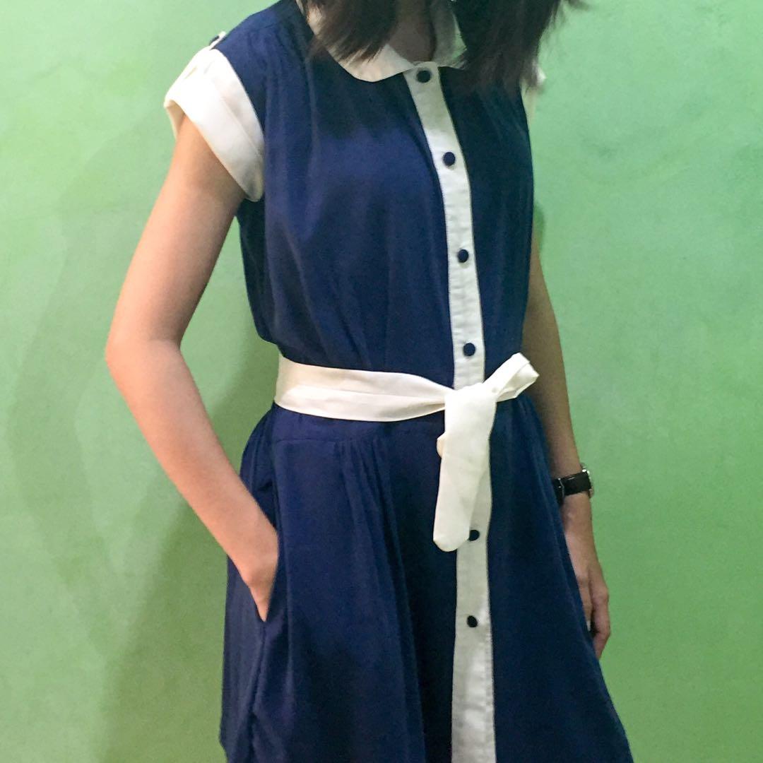 Dress Biru Putih