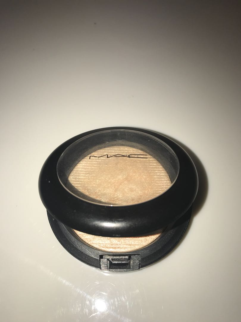M.A.C Highlighter xx