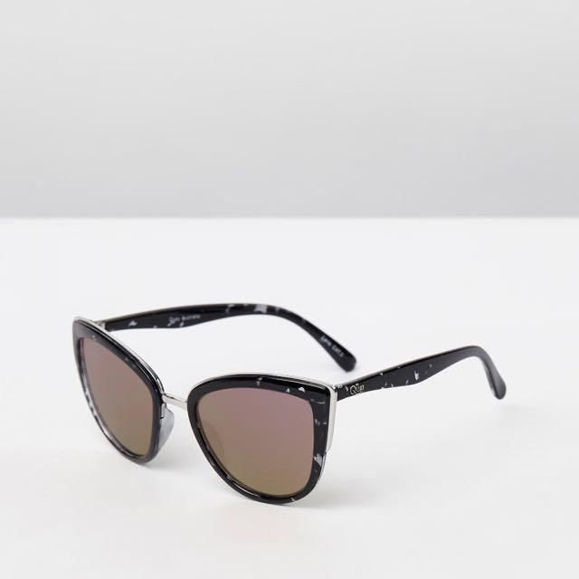 "Quay ""My Girl"" Sunglasses - Black tortoise and pink mirror"