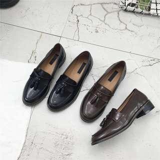 學院風流蘇樂福鞋(黑色)