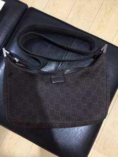 AUTHENTIC GUCCI BODY BAG