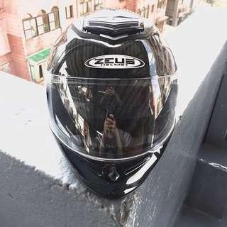 Zeus 卡夢全罩式安全帽