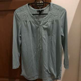 Preloved h&m shirt