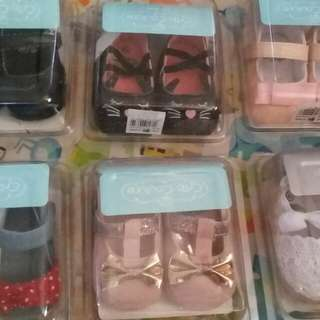 BUNDLE SET OF BABY SHOES
