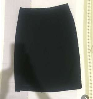 Black mini skirt with outer layer