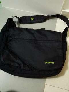 Samsonite outlab sling bag