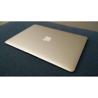 Latest MacBook Air 13 Like New - I5, 8gb Ram, PCIE SSD