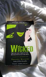 """Book - """"Wicked"""" by Gregory Maguire"""