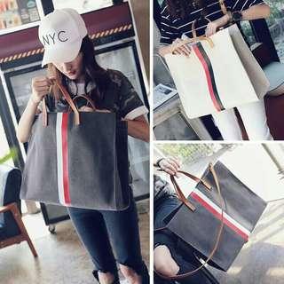 031 Pamela bags black