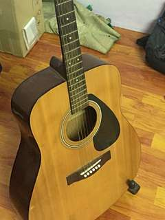Yamaha f310 accoustic guitar