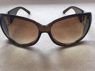Sunglasses - Gucci