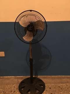 伊娜卡】 12吋小旋風工業扇 ST-1275