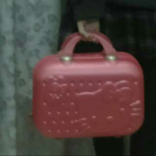Hello Kitty 桃紅 小紅箱  化妝箱