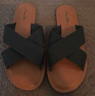 Miss shop black slides size 9