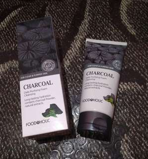 FOODAHOLIC CHARCOAL DAILY PURIFYING FOAM CLEANSER 180ML