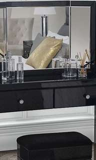 NEW IN BOX - EXCLUSIVE MIRROR DESK SET UP - BLACK CRYSTAL MIRROR