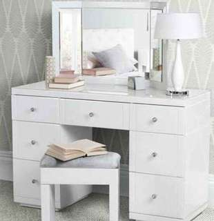 NEW IN BOX - EXCLUSIVE MIRROR DESK SET UP - WHITE GLASS CRYSTAL MIRROR