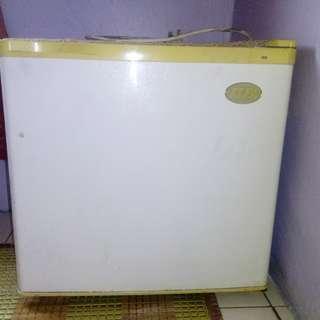 Samsung Mini Refrigerator