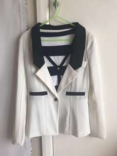*Blazer only* white size 8-10 NEW!