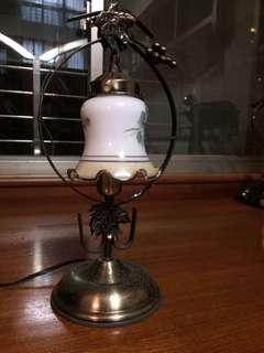 早期古典歐式玻璃桌燈功能正常