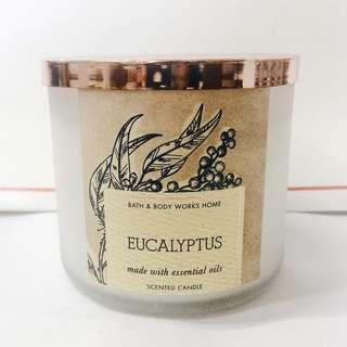 Bath and Body Works - Eucalyptus candle