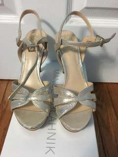 Vince Camuto sandal heels in gold size 36.5