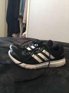 Adidas Cloudfoam size 6.5