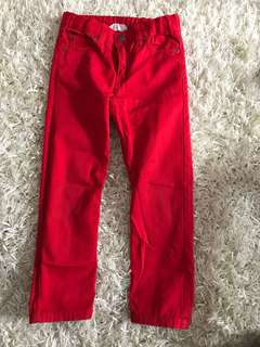 Edgy red pant