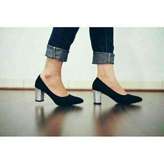 Sepatu youra
