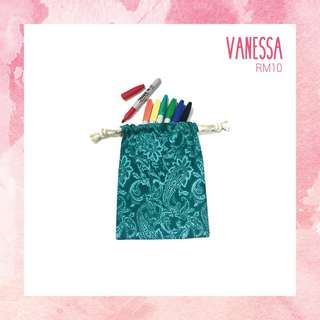 Vanessa-Medium Drawstring Bag