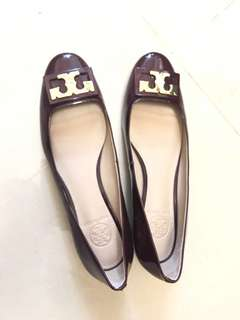 Tory Burch 6.5 wore once only too big for me VERY GOOD CONDITION