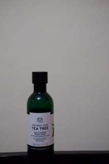 The Body Shop - Tea Tree Facial Wash