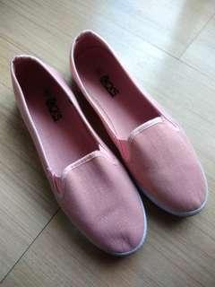 Millennial Pink Glitter Flats