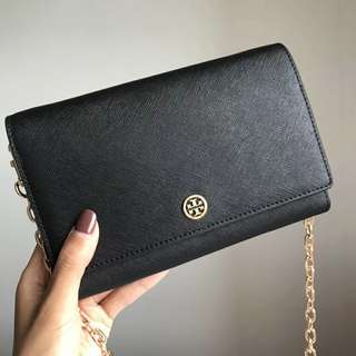 Tory Burch Robinson Wallet On Chain - black