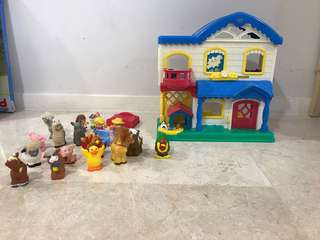Doll house farm and a bunch of farm animals (Fisher Price Little People)