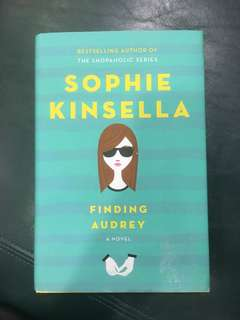 Finding Audrey by Sophie Kinsella Hardcover